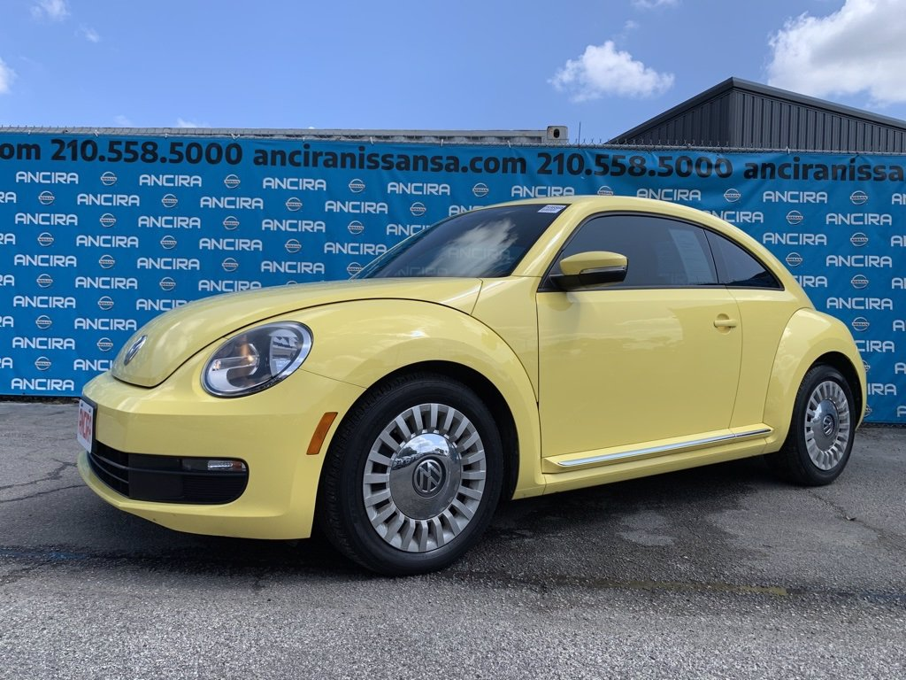 Pre-Owned 2014 Volkswagen Beetle Coupe 2.5L